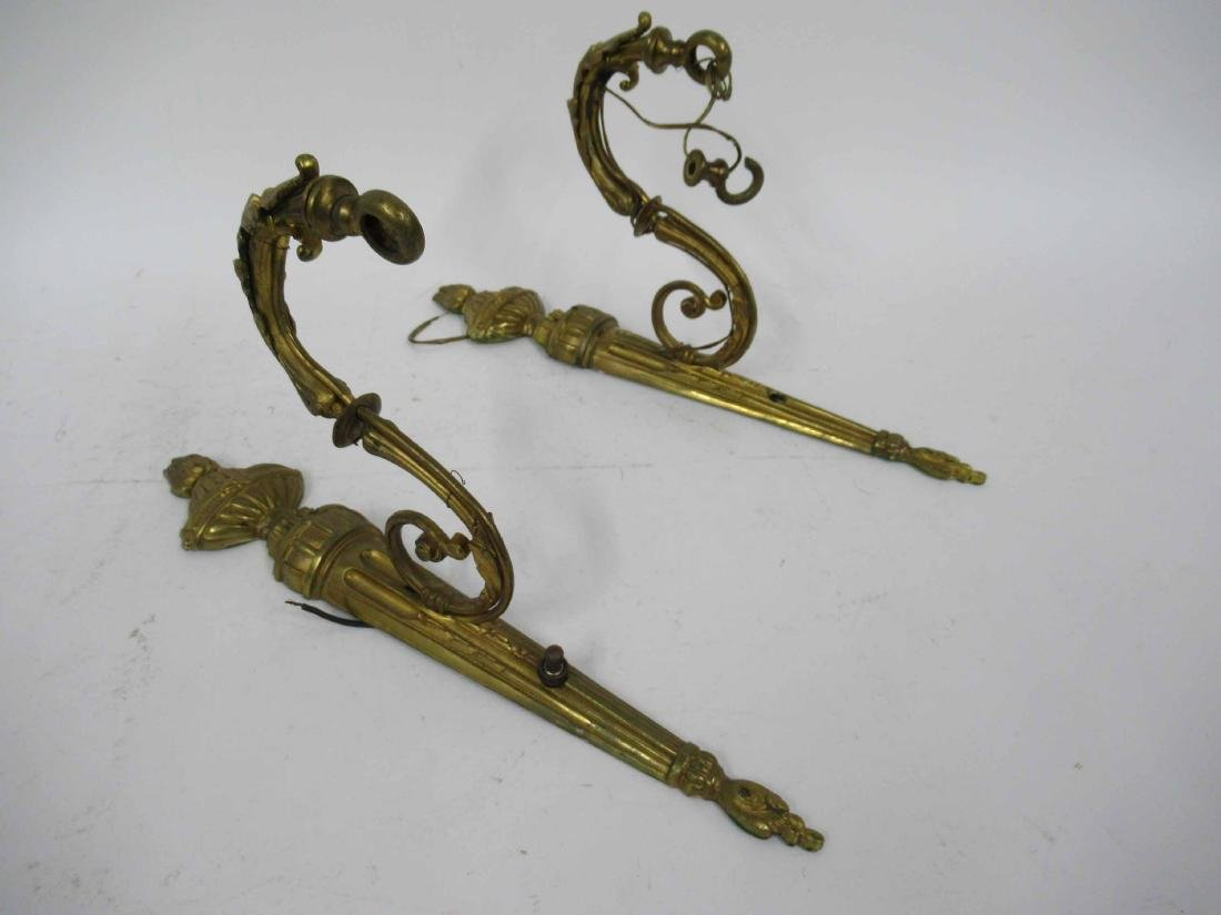 Pair of Neoclassical style Bronze Wall Sconces - 4