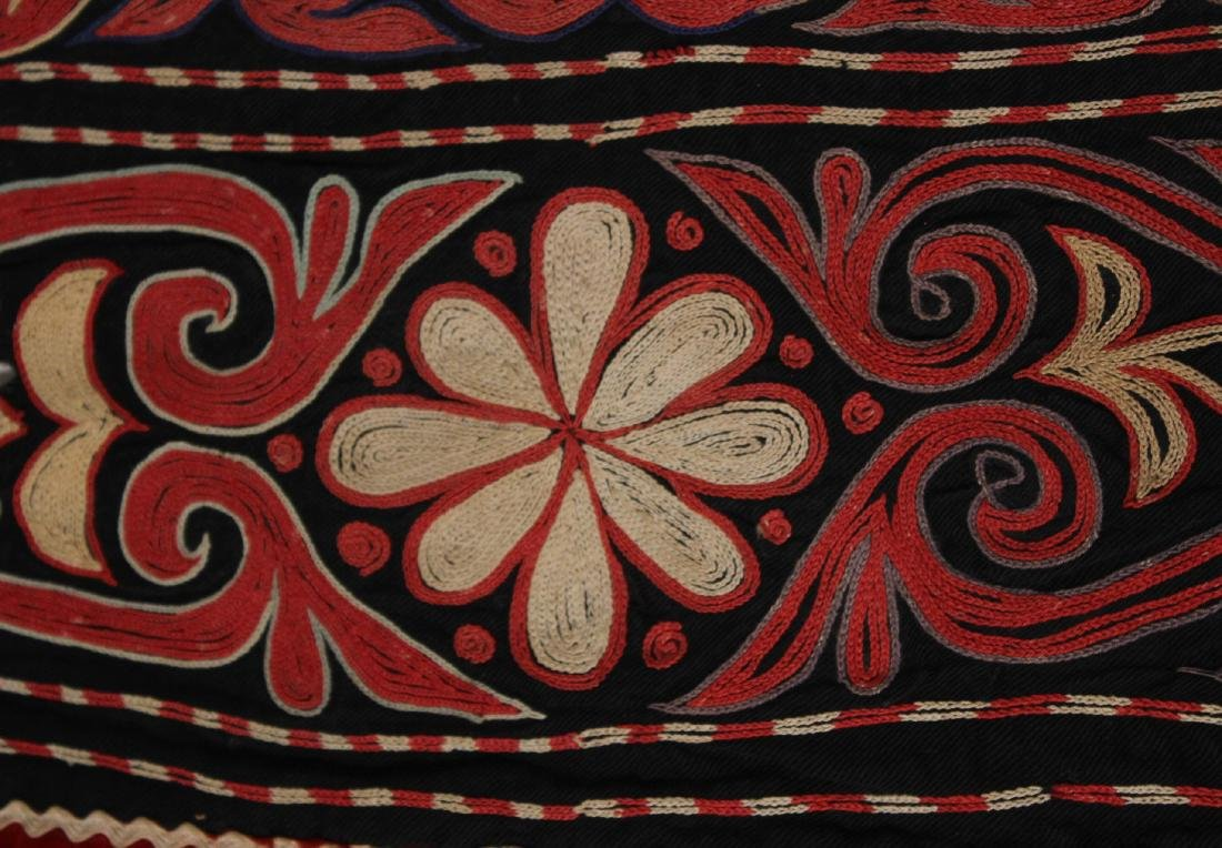 Crewel Embroidery Table Cover - 5
