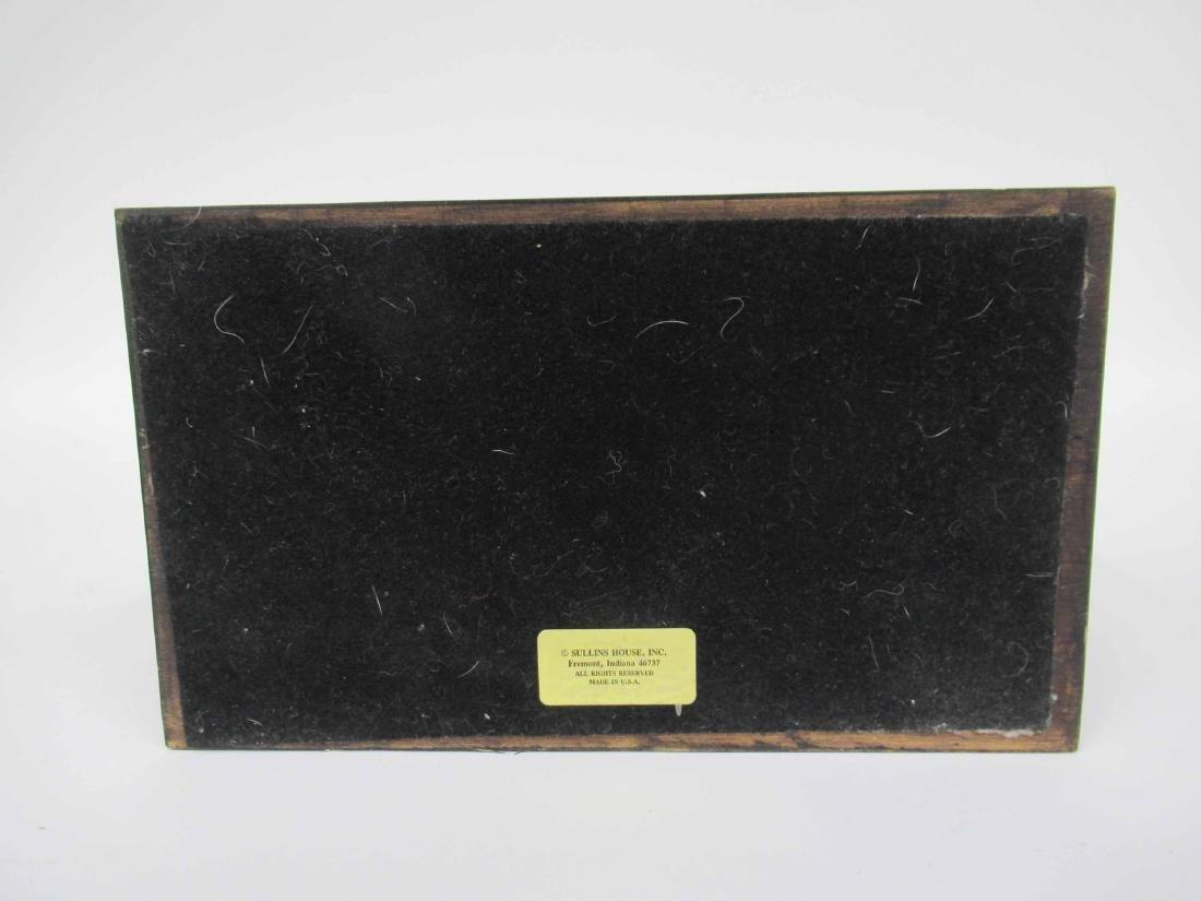 Equestrian Motif Table Lamp - 4