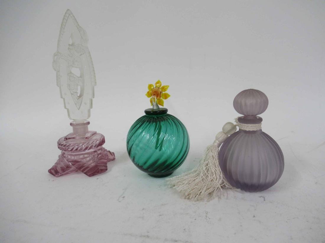 Seven Color Glass Perfume Bottles with Stoppers - 3