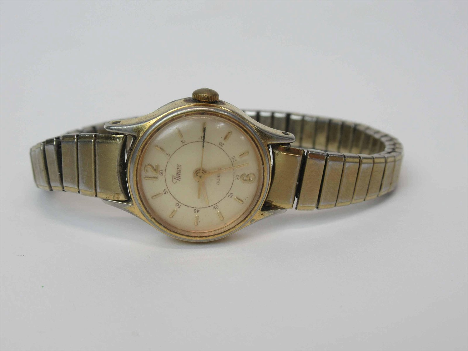 Vintage Ladies Timex Quartz Wrist Watch