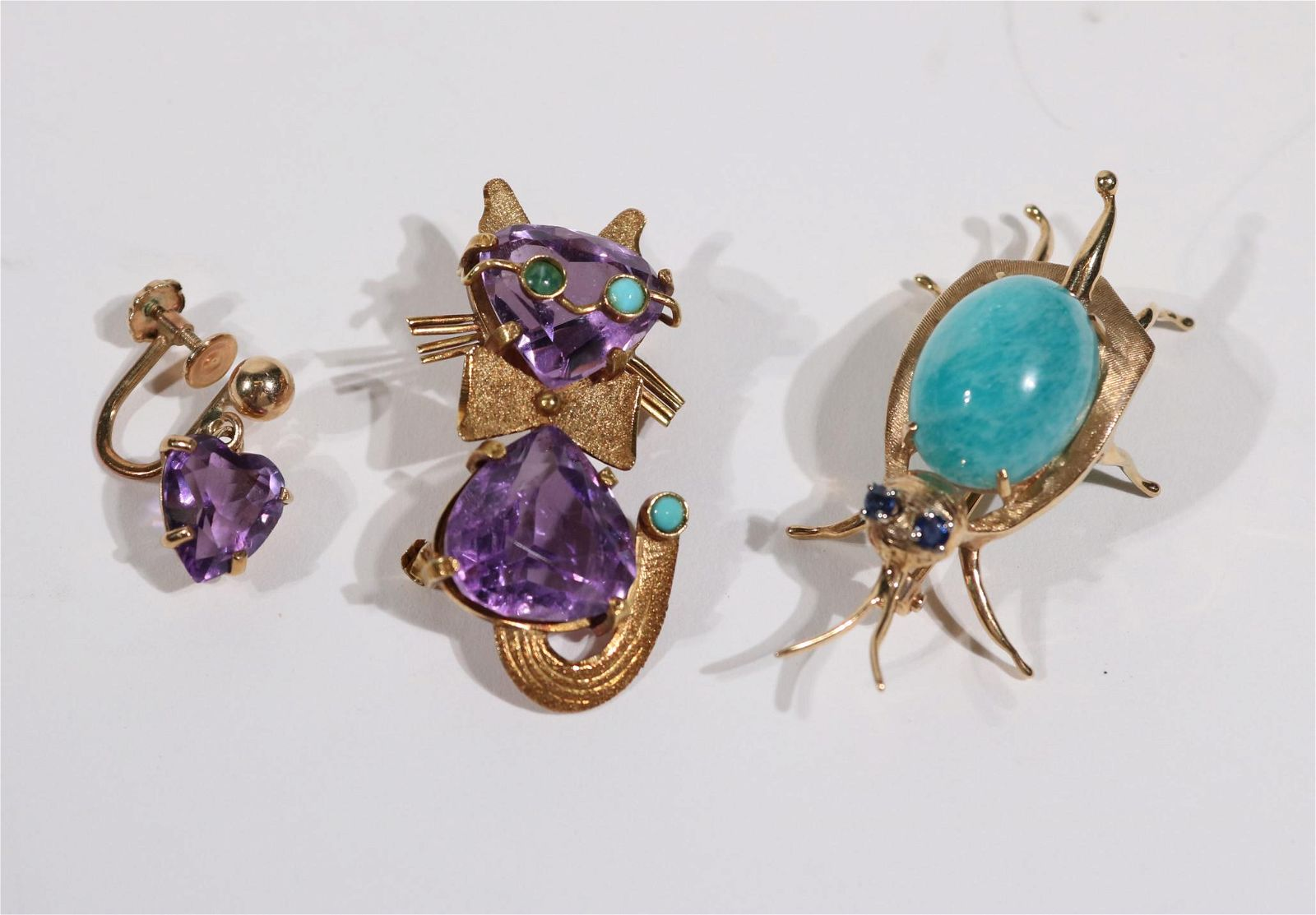 18K Yellow Gold Amethyst Turquoise Cat Brooch