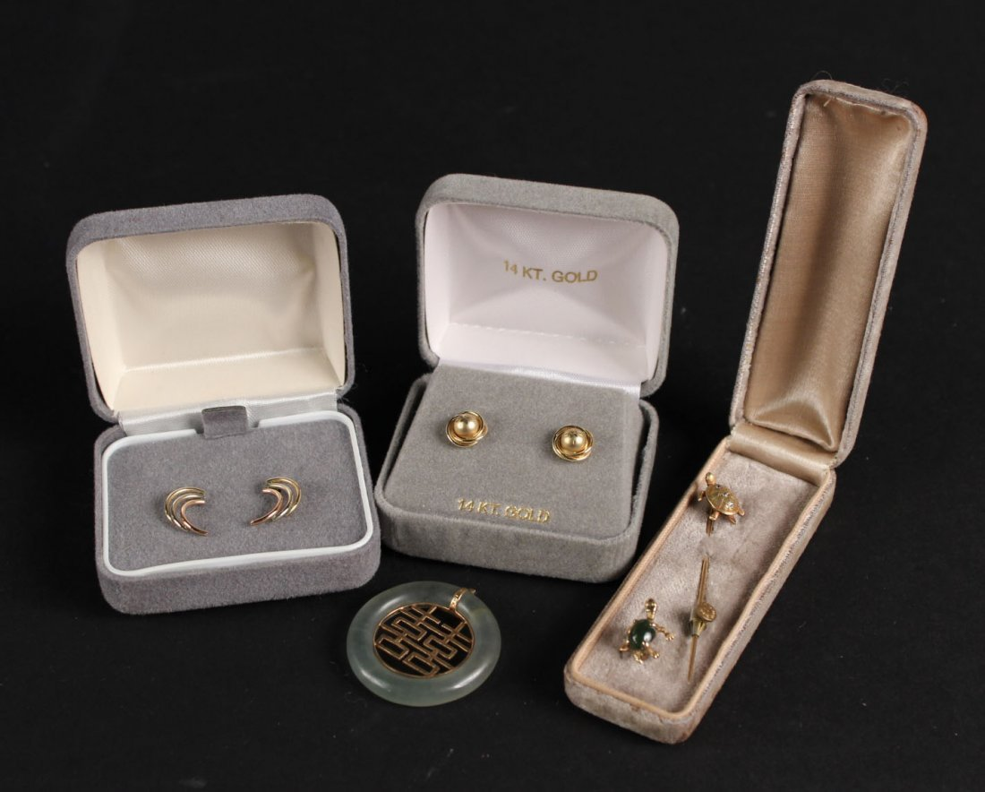Group of 14K Yellow Gold Jewelry Items