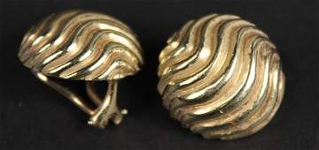 Pair of 14K Yellow Gold Swirl Motif Ear Clips