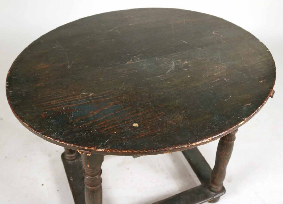 Federal Green-Painted Oval Tavern Table - 4