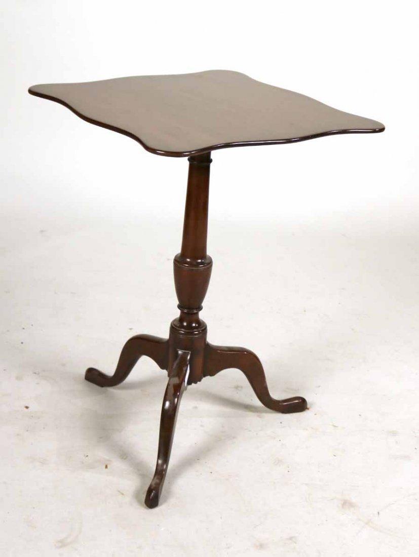 Kittinger Colonial Williamsburg Tilt Top Table