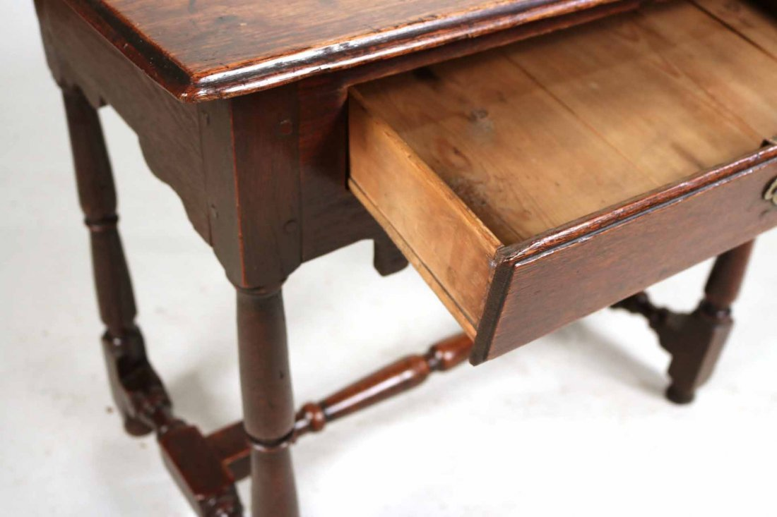 William and Mary Oak Dressing Table - 3