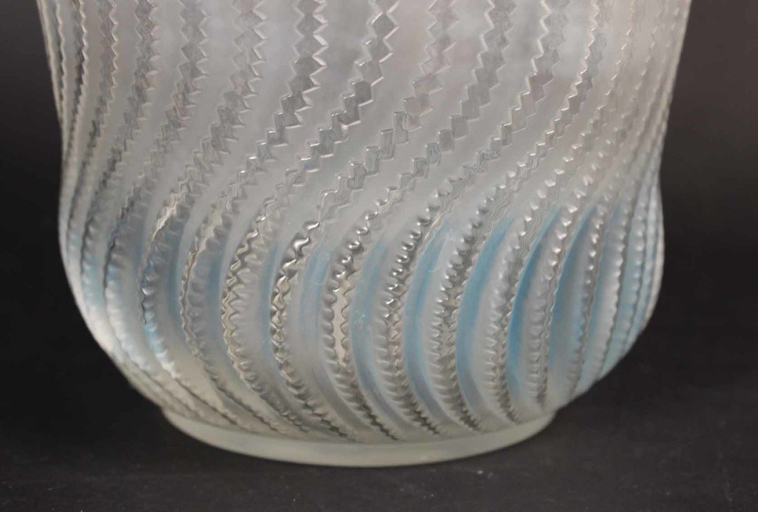 Rene Lalique Actinia Glass Vase - 3