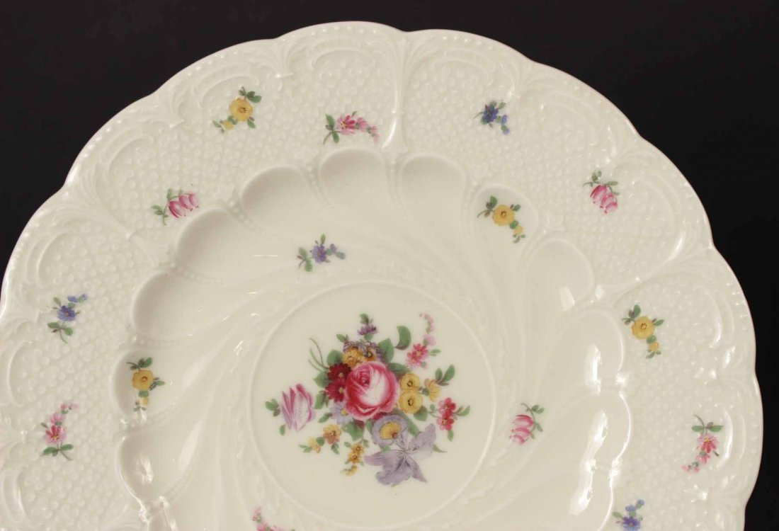 Eleven Black Knight Floral-Decorated Plates - 2