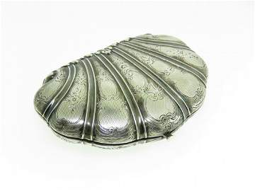 19TH CENTURY FRENCH SILVER SEASHELL FORM COIN PURSE