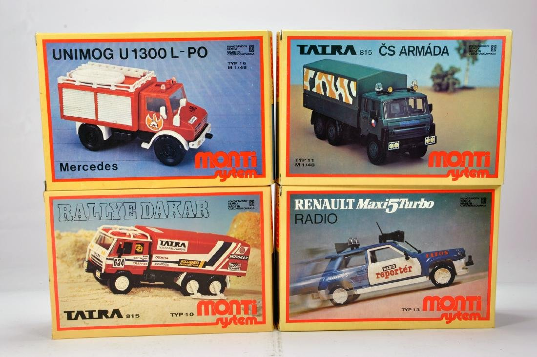 Group of plastic model kits comprising Mercedes
