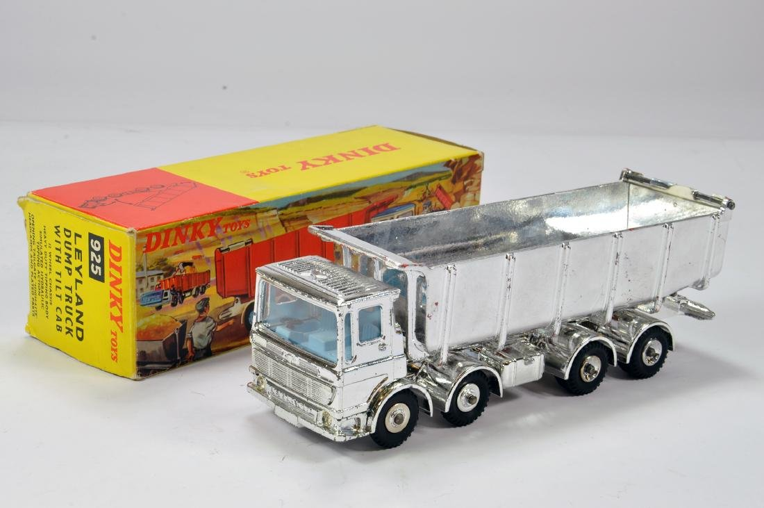 Dinky No. 925 Leyland Dump Truck with Tilt Cab. Special