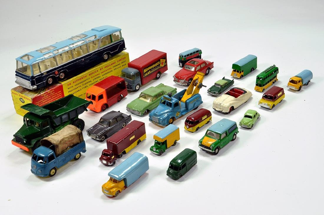 Mainly Unboxed diecast group including various makers.