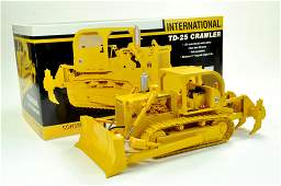 First Gear 125 International TD25 Crawler Tractor with