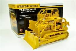 First Gear 125 International TD25 Crawler Tractor