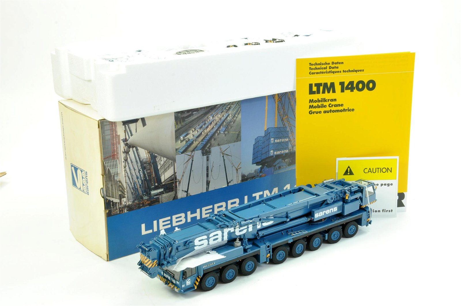 YCC Models 1/50 construction issue comprising Liebherr