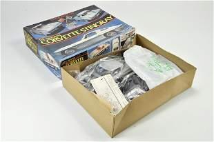 MPC Plastic Model Kit comprising 1/16 Corvette