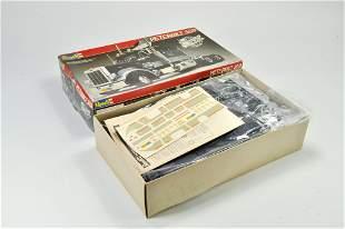 Revell Plastic Model Kit comprising 1/25 Peterbilt 359
