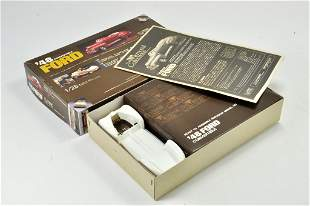 Union Model Kit comprising 1/25 48 Ford Convertible.