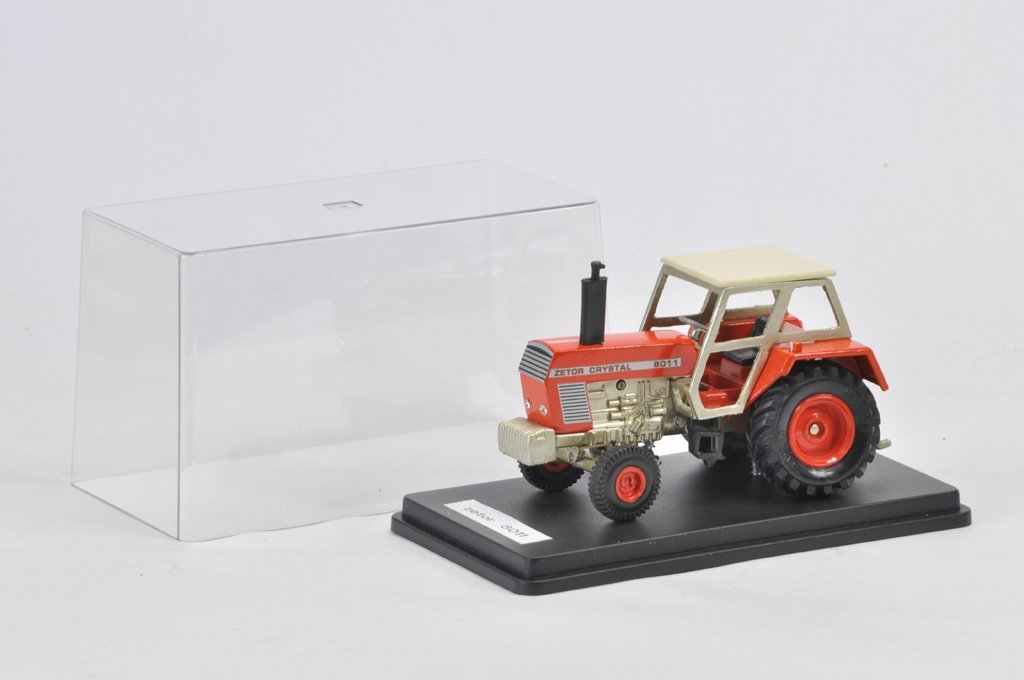 Scarce 1/32 Scale Zetor Crystal 8011 2WD Tractor. Model