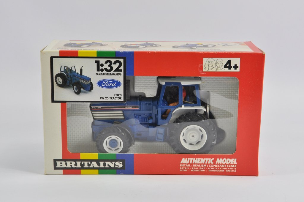 Britains 1/32 Ford TW35 Powerfarm Tractor in Rare TW25