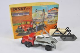 French Dinky No. 805 Camion Unic Set Comprising Of
