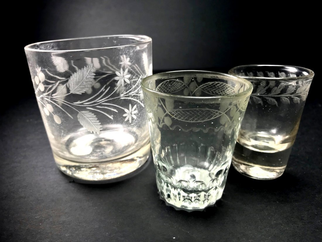 MIXED 18TH /19TH TUMBLER AND SHOT GLASS LOT - 4