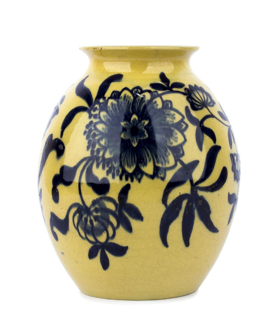Ceramic vase with floreal decorations, 30's