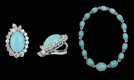 TURQUOISE PARURE, EARRINGS AND NECKLACE