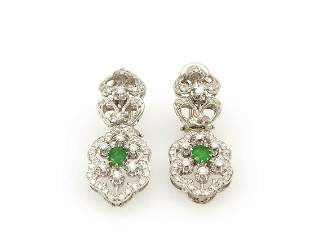 Diamonds and emeralds earrings