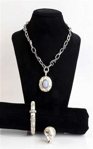Enamel and diamonds parure, manifacture LA NOUVELLE