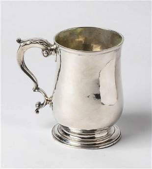 English Georgian sterling silver mug - London 1765