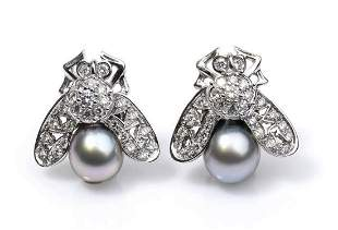 Gold, diamonds and pearls earrings