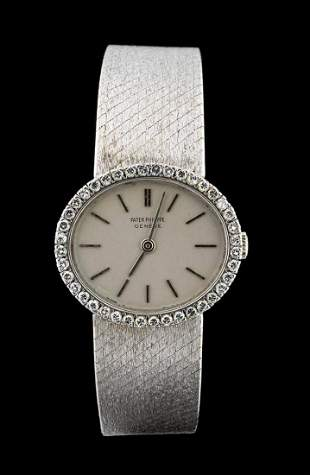 PATEK PHILIPPE gold lady's wristwatch
