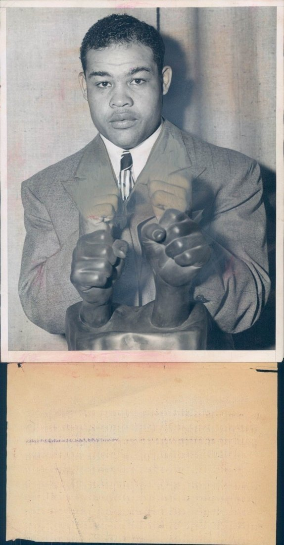 1945 Photo WW2 Era Joe Louis Famous Fighting Fists NY S
