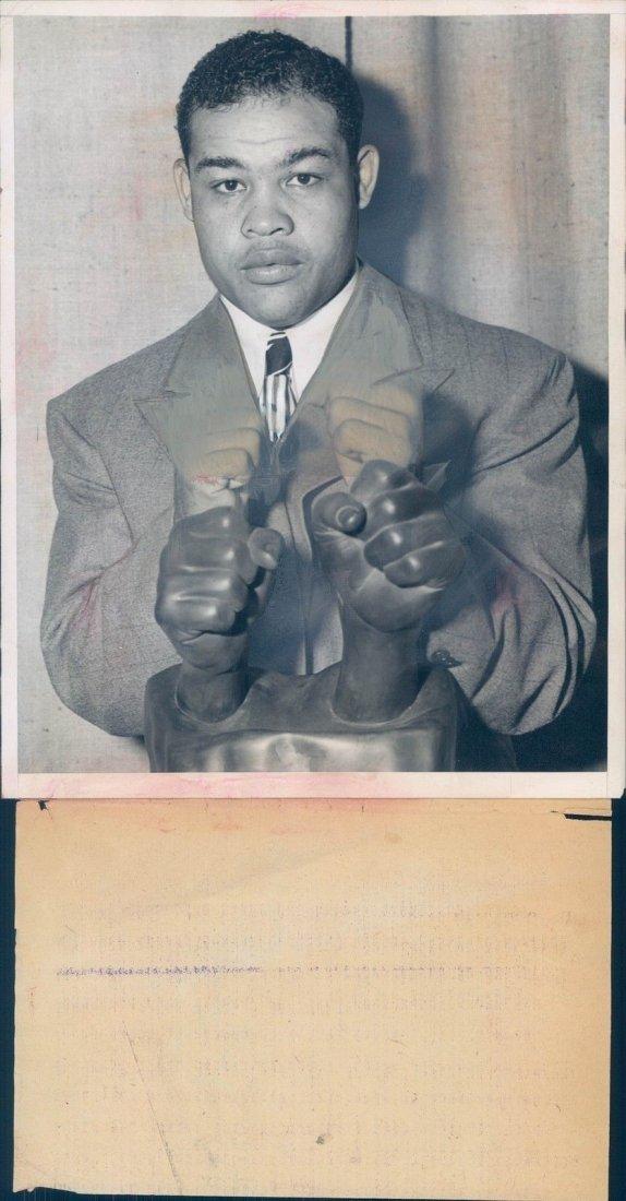 1945 Photo WW2 Era Joe Louis Famous Fighting Fists NY S