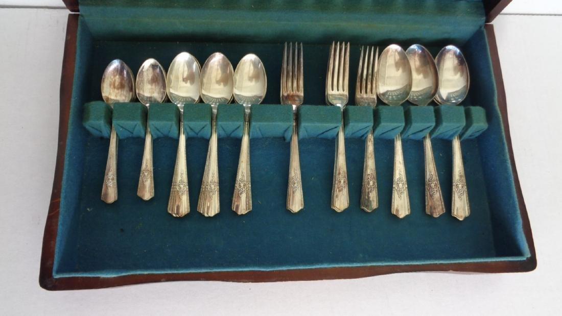 Vintage Wallingford Plate AA+ 52 Pieces Silverware - 2