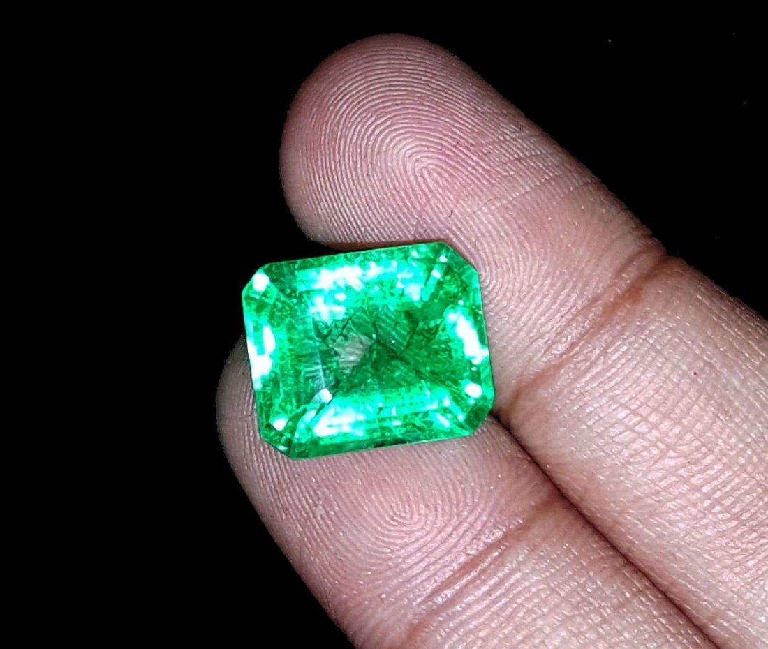 8.67 Ct Natural Colombian Emerald - 2