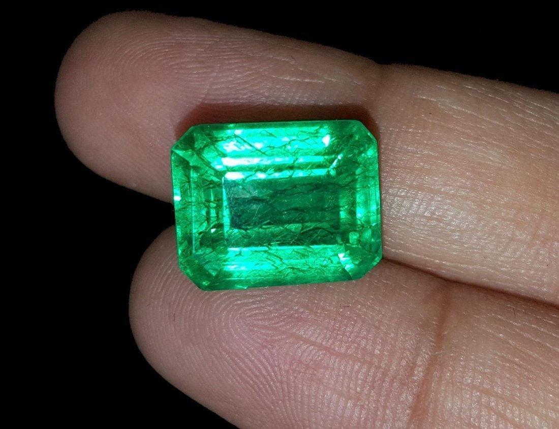 7.77 Ct Natural Certified Colombian Emerald - 2