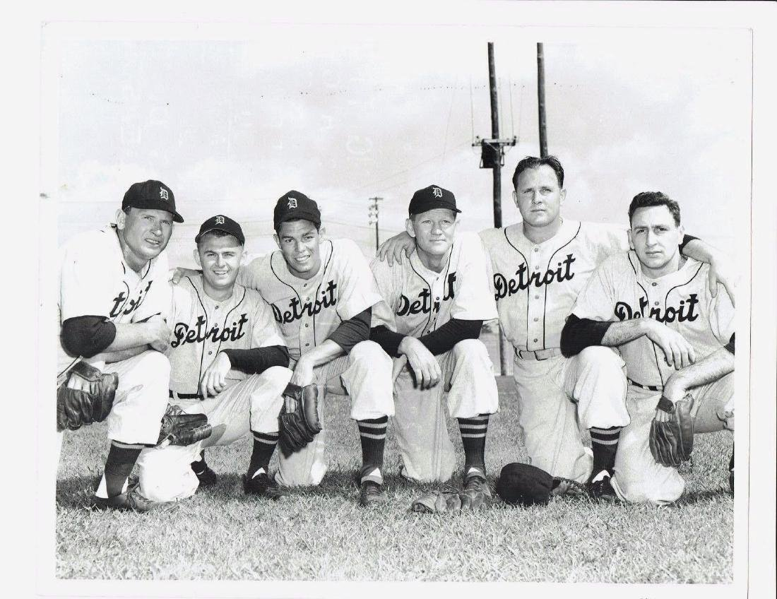 B&W Vtg -Original 1950's Detroit Tigers Pitching Photo