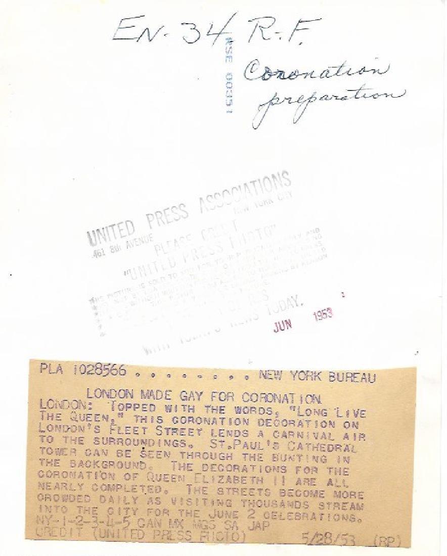1953 CORONATION DECORATION LONDON'S FLEET - 2