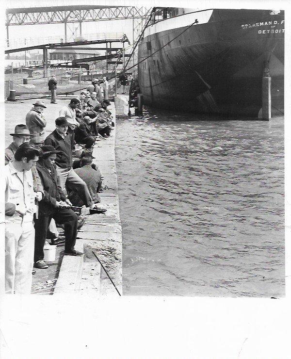1961 DETROIT, MICHIGAN FISHING DOCK & SHIP SPARKMAN PRE