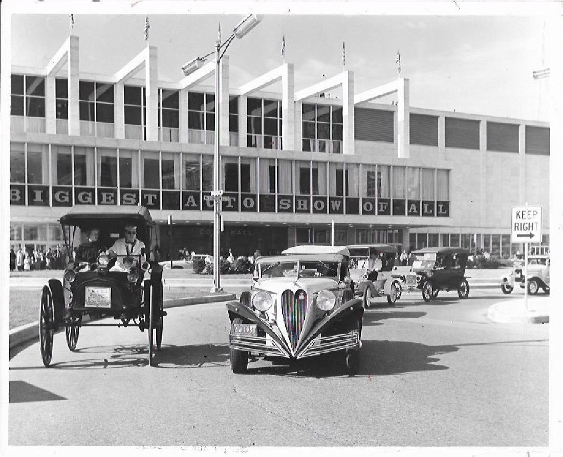 1982 Press Photo antique automobiles auto show