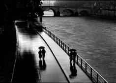Rare B  W  Paris  Photo