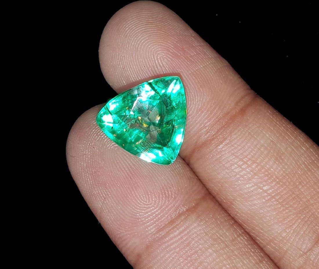Natural 6.97 Ct Certi Trillion Shape Colombian Emerald - 2