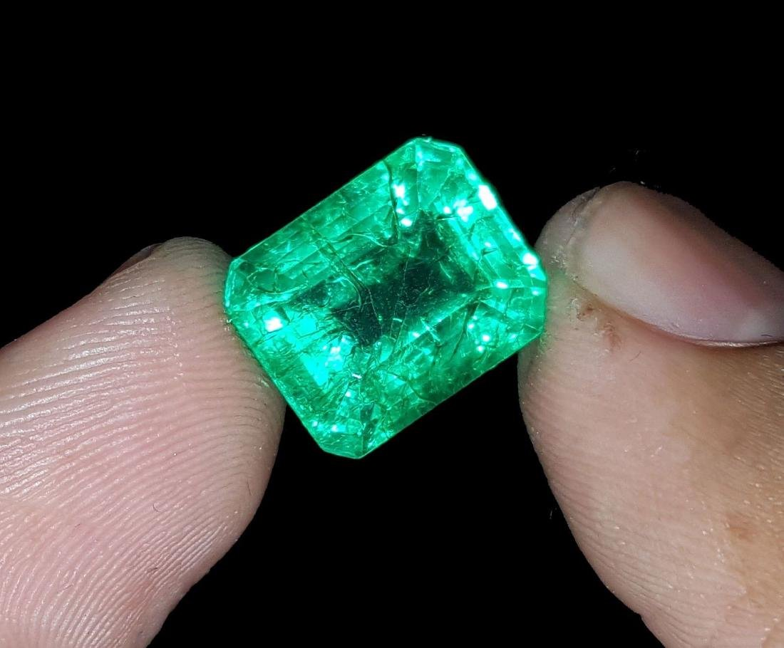Emerald Shape 8.27 Ct Natural Certificate Colombian