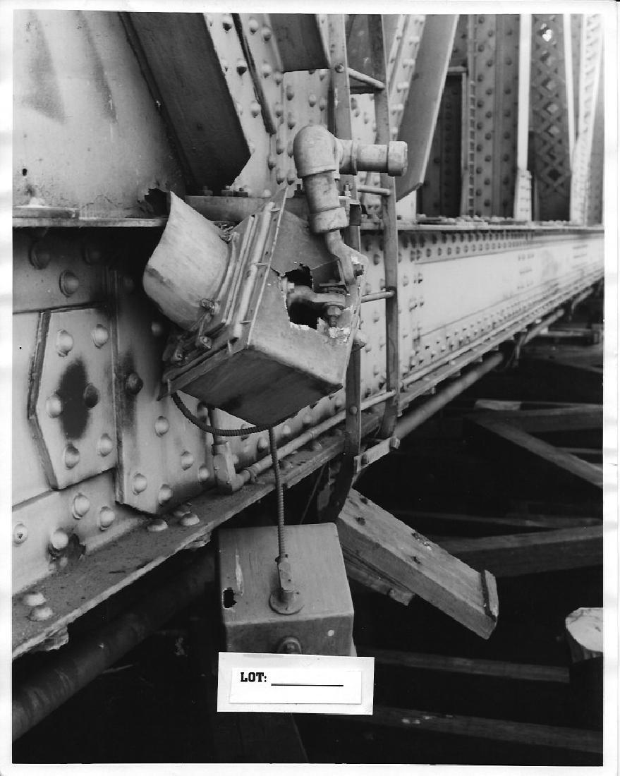 B&W 1940-50 Train Railroad Metal Base Bridge ByN Bogner