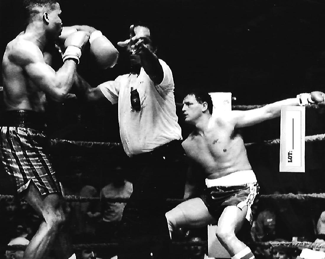 B&W Craig Bodzianowski Knock O By Alfonzo Ratliff.Photo