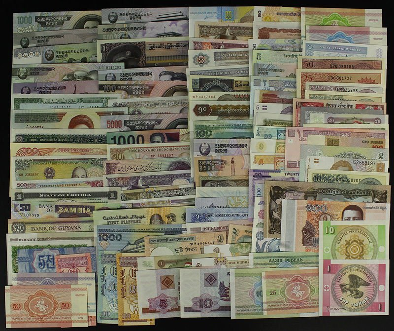 Lot 100 Banknotes Currency