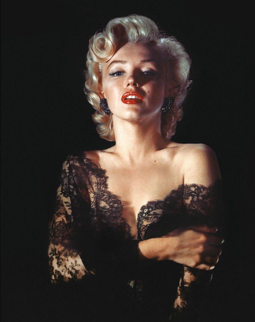 B&W Sexy Marilyn Monroe Photo